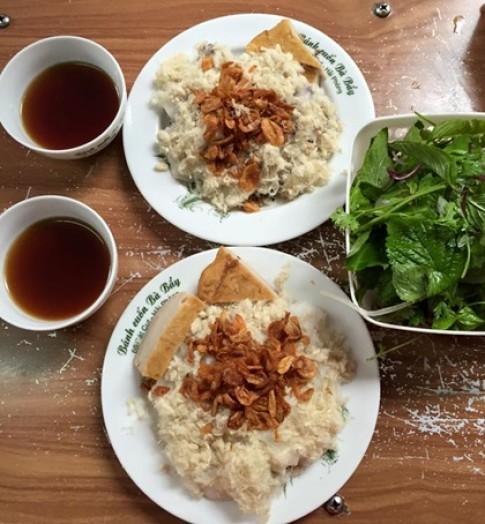 Quan banh cuon lau nam dat khach tai Hai Phong
