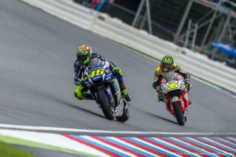 Valentino Rossi da rat no luc de ket thuc chang dua Czech o vi tri thu 2