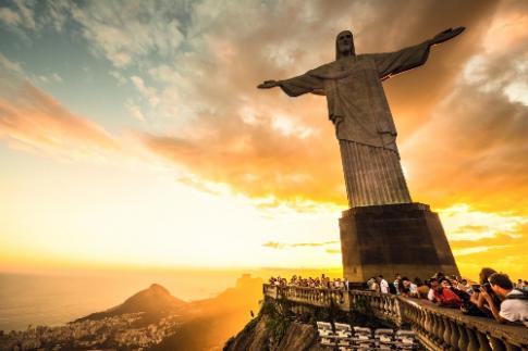 Vu dieu samba cuong nhiet trong le hoi Latino