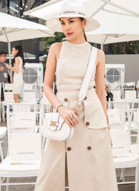 Dàn sao Việt đội nắng xem thời trang