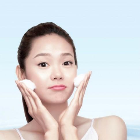 Rửa mặt sạch - bước khởi đầu cho làn da trong mướt