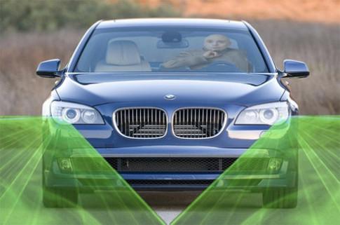 BMW sẽ sử dụng đèn pha bằng tia laser