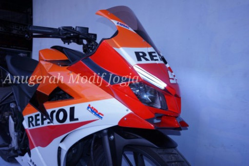 Honda CBR150R moi do theo phong cach Repsol