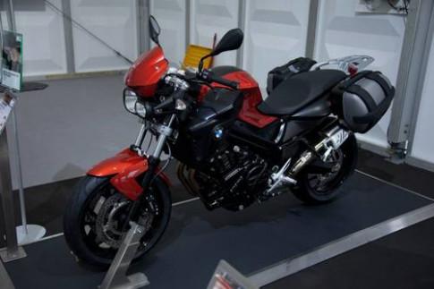 Một loạt môtô của BMW có màu mới