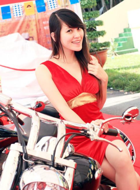 Người mẫu Việt tại triển lãm môtô 2009