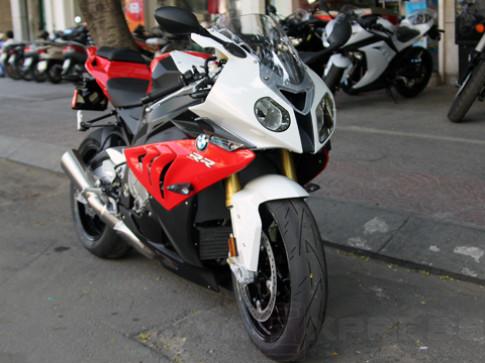 Sieu moto BMW S1000RR 2013 cap cang Sai Gon