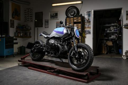BMW R nineT Track Grinder- mau do dau tien