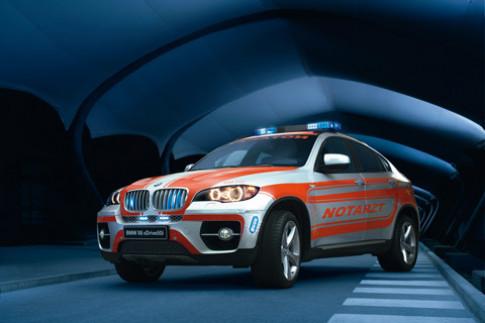 BMW X6 lam xe cuu thuong