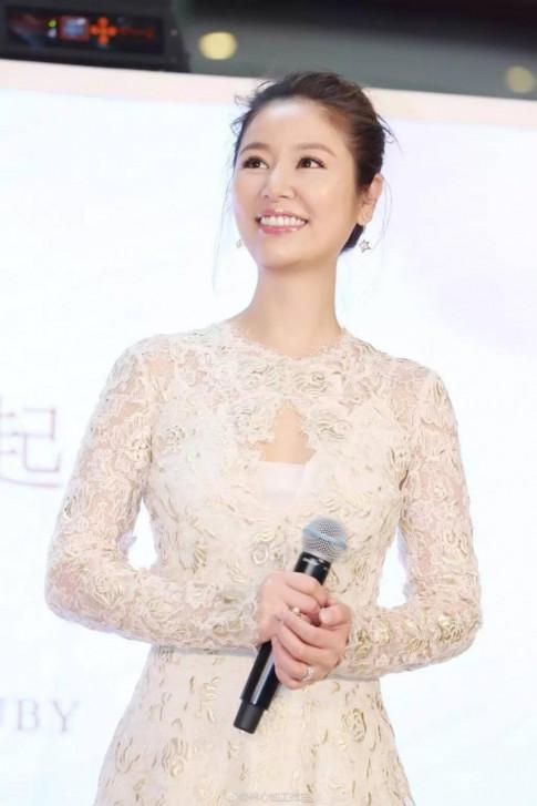 Chỉ 8 tuần sau sinh, Lâm Tâm Như khiến fan sững sờ vì tái xuất đẹp như mơ