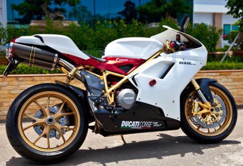 Ducati 848 EVO mạ vàng độc nhất Việt Nam
