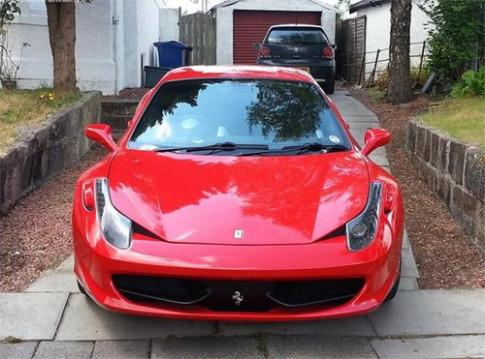 Ferrari 458 Italia hang nhai giong y xe that