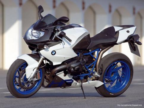 HP2 Sport - mẫu boxer mạnh nhất của BMW