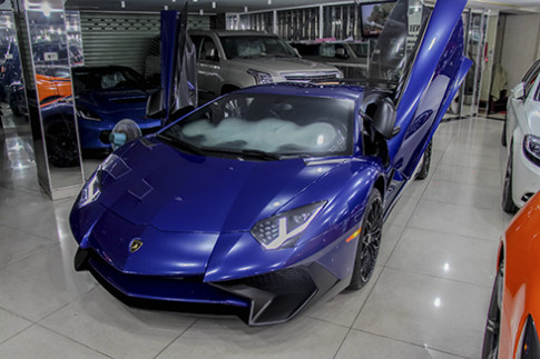 Lamborghini Aventador SV mau xanh doc nhat tai Viet Nam