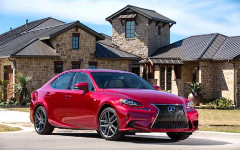 Lexus IS 2015 nang cap nhe