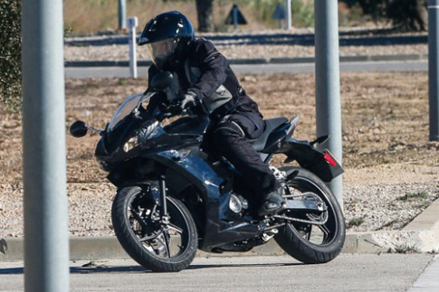 Lộ diện sportbike 250 phân khối mới của Triumph