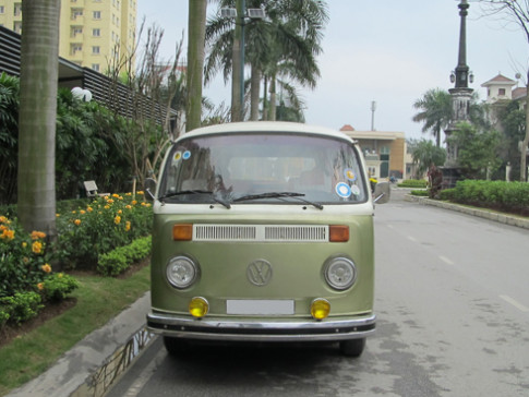 Phuc che 'gai que' Volkswagen Mini Bus