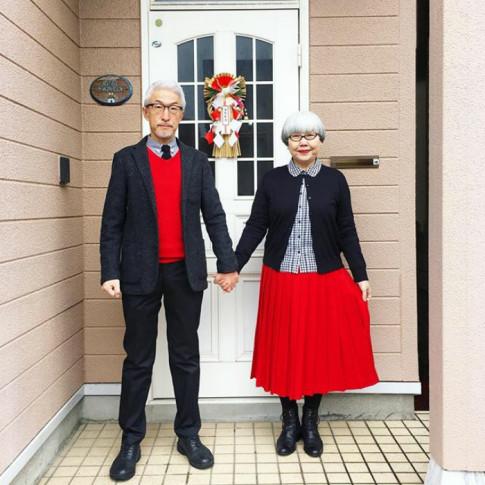 Phục sát đất với cặp vợ chồng già ngày nào cũng mặc đồ đôi suốt 37 năm