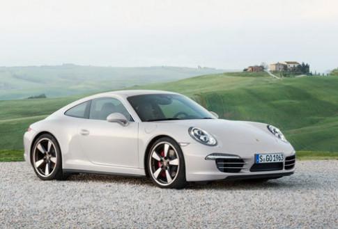 Porsche 911 Carrera S phien ban 'vang' 50 nam tuoi