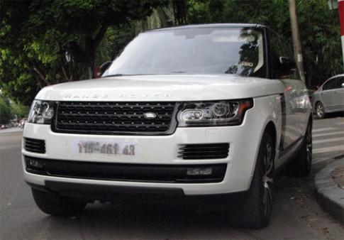 Range Rover LWB - xe Land Rover dat nhat tren pho Viet