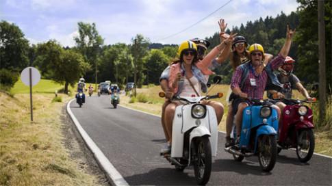 Simson Schwalbe - nua the ky xe moped 'Chim En'