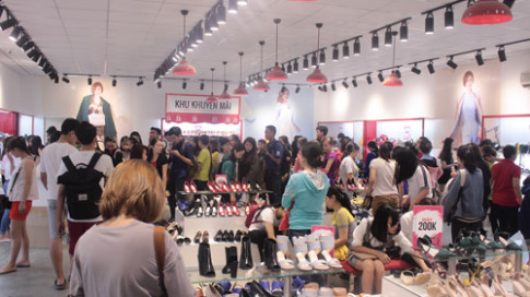 """""""Soái ca"""" nào giúp Juno đánh chiếm thị trường giày mùa 8/3?"""