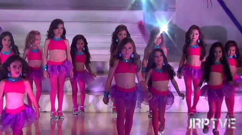 Tròn mắt trước phần thi bikini của thí sinh Hoa hậu nhí Venezuela