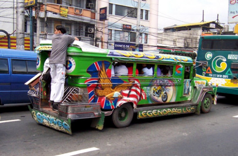 Viet Nam nen co nhieu xe giong Jeepney o Philippines
