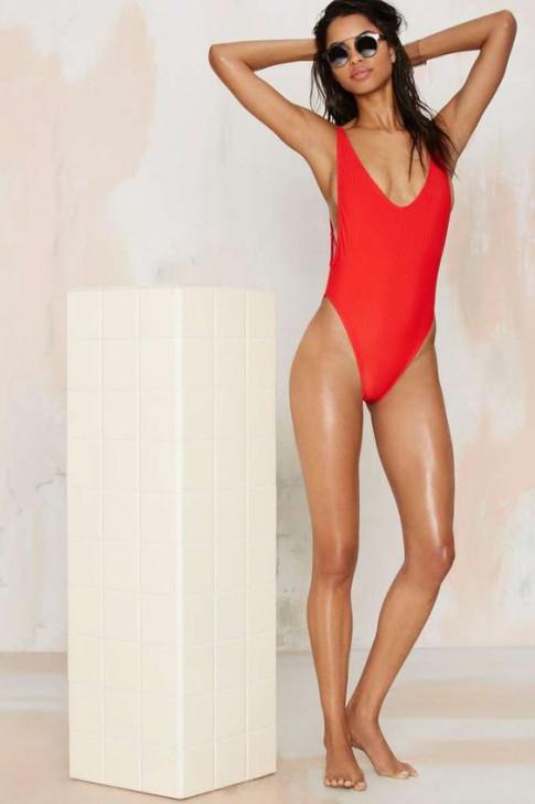 5 kiểu áo tắm hot nhất hè, vóc dáng nào mặc cũng phải ưng!