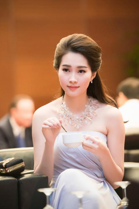 Chiem nguong ve dep - xinh nhu tien nu giang tran cua Hoa hau Dang Thu Thao