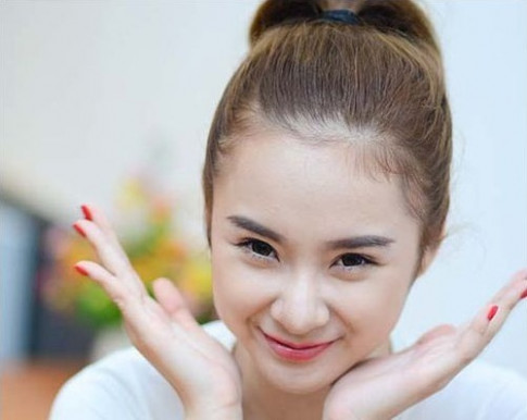 Cung bo ra so tien lon dao keo, Angela Phuong Trinh va Nha Phuong lai khac nhau