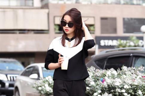 Hoa hậu Mỹ Linh ăn mặc bình dị vẫn đốn tim người hâm mộ