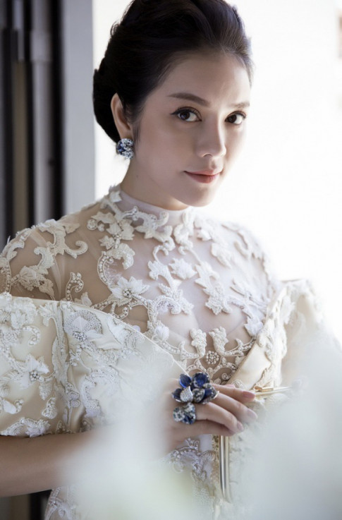 LHP Cannes 2017: Lý Nhã Kỳ đẹp tựa nữ hoàng, Ngọc Thanh Tâm hở quá đà