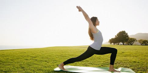 Mỡ bụng lâu năm sẽ bị triệt tận gốc với 3 động tác Yoga cơ bản