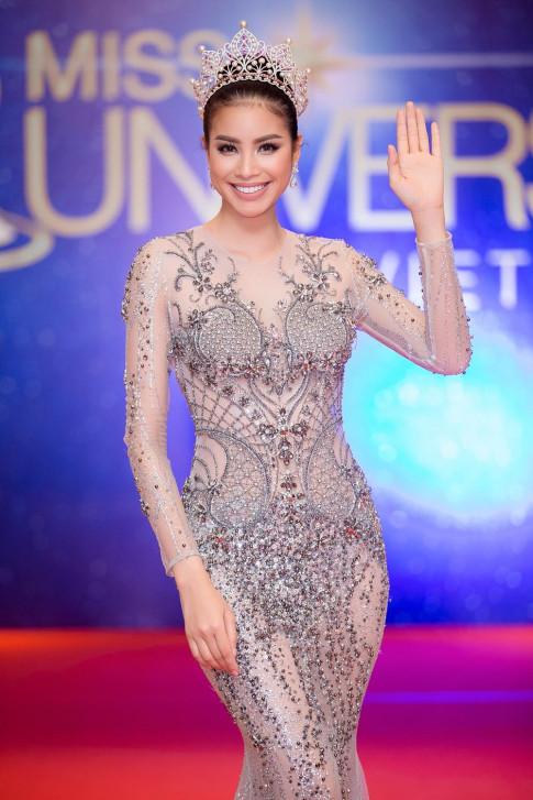 Pham Huong va Chi Pu tranh tai do sac tai VIFW 2017