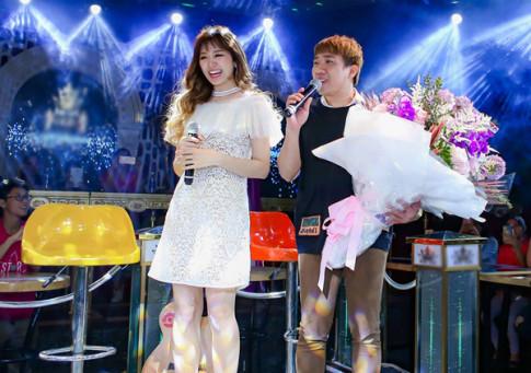 Sao đẹp tuần qua: Hari Won dù cao hơn Trấn Thành vẫn chọn giầy lênh khênh