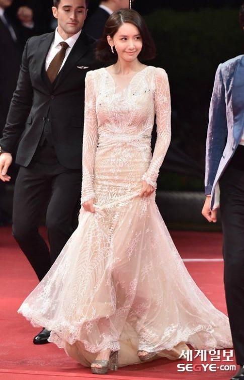 Sao Hàn nổi tiếng mặc đẹp vẫn không thoát khỏi Top thảm họa thời trang