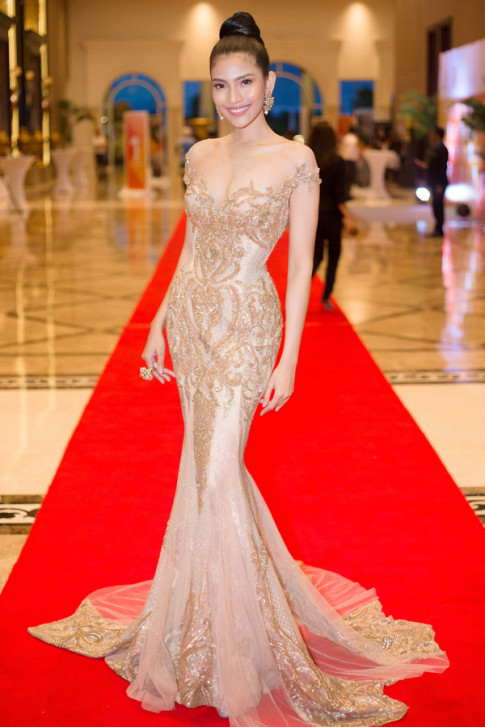 Sao mặc đẹp tuần: Sau khi được cầu hôn hoành tráng, Phạm Băng Băng ngày càng đẹp khó tả