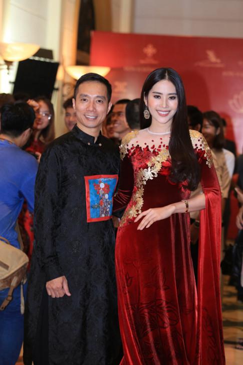 Diễn viên Xuân Bắc, cựu BTV Diệp Anh, Nam Em say mê với Vẻ đẹp Việt Nam