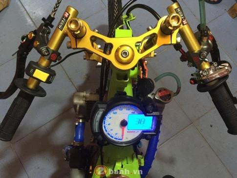 Exciter 135 drag nổi bật trên khung sườn xanh chuối
