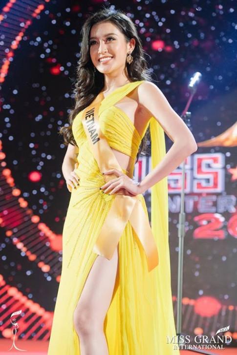 Huyền My đẹp thổn thức tại Miss Grand sau sự cố trang phục