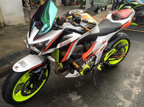 Kawasaki Z800 ruc ro day mau sac