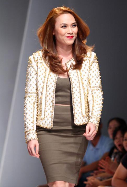 Không khỏi ngạc nhiên khi Mỹ Tâm, Minh Hằng, Thủy Tiên làm người mẫu!