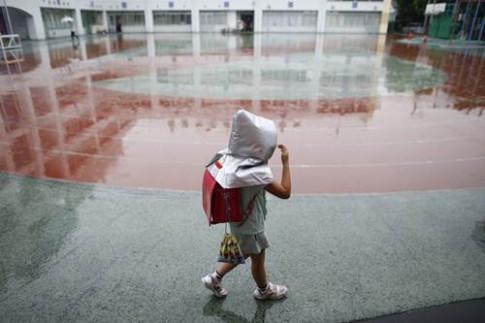 Lý do phụ huynh Nhật Bản luôn để con tự đi học một mình từ lớp 1