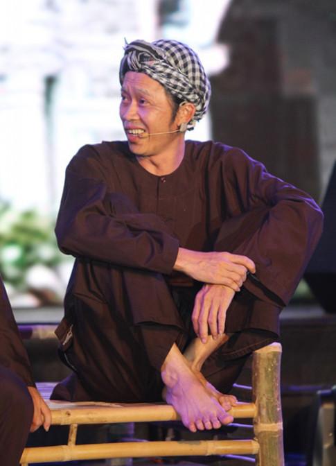 Phong cach thoi trang ky la co 1 khong 2 o showbiz Viet cua Hoai Linh