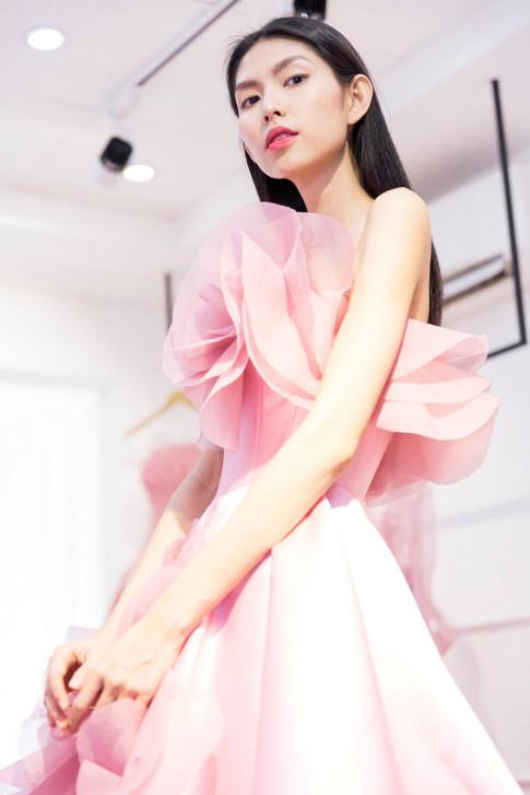 Sao mặc đẹp tuần: Thua Kim Dung nhưng Thùy Dương xứng danh nữ hoàng tuần này