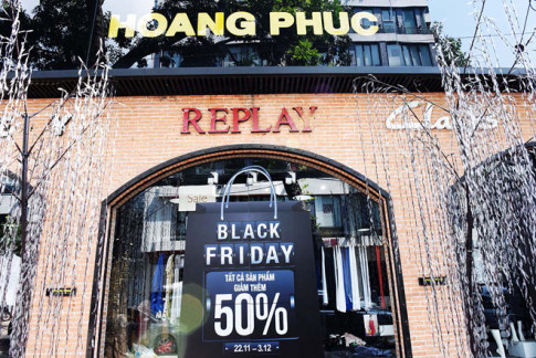 Tất cả các thương hiệu quốc tế sale hơn 50% tại Black Friday của Hoàng Phúc