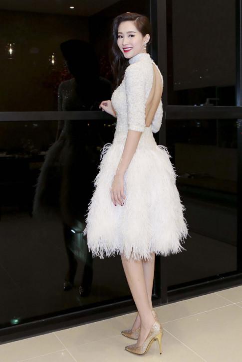 Trước khi kết hôn với bạn trai doanh nhân, hoa hậu Thu Thảo đã vô số lần mặc váy cưới
