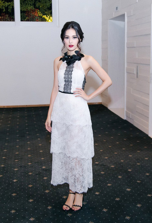 Tuan qua: Ha Vi, Angela Phuong Trinh ho khon kheo