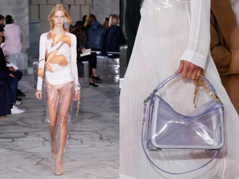 Vừa cá tính vừa kích thích ánh nhìn với mốt thời trang nhựa trong suốt kì dị
