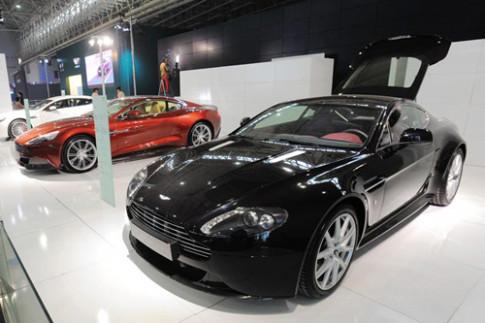 Aston Martin dinh loi vi phu tung gia tu Trung Quoc